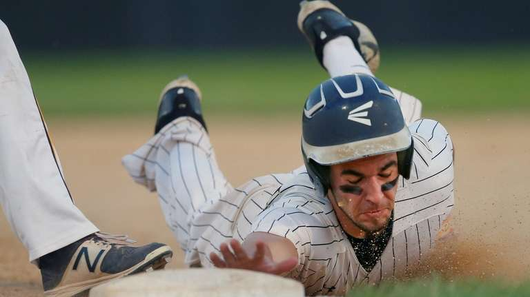 Anthony D'onofrio of Wantagh steals second base as