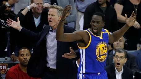 epa06020253 Golden State Warriors head coach Steve Kerr