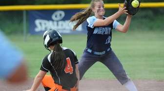 Babylon's Danielle Donaldson (4) slides safely into second