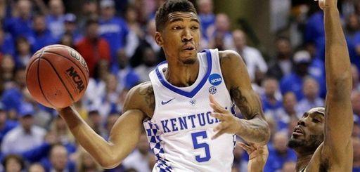 Kentucky guard Malik Monk makes a pass around