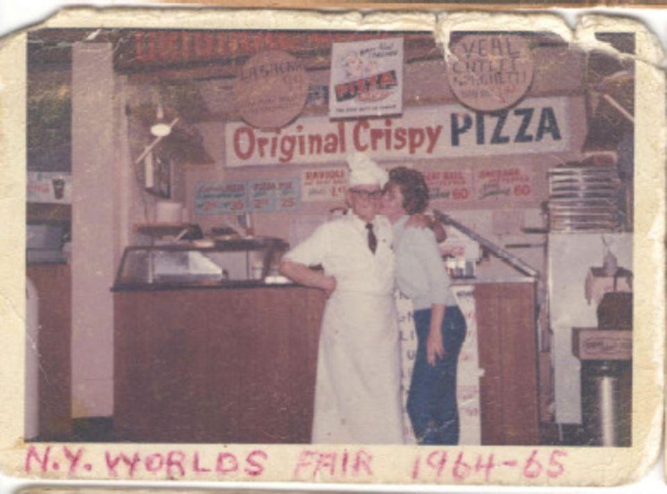 Frank Motto selling his original Crispy pizza to
