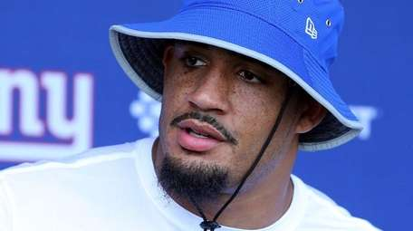 New York Giants defensive end Olivier Vernon (54)