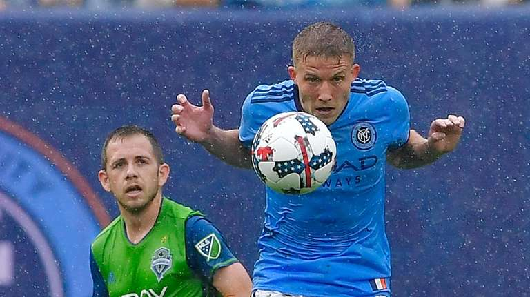 Harrison Shipp #19 of Seattle Sounders and Alexander
