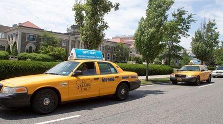 Nassau taxi drivers circle the Nassau County Executive