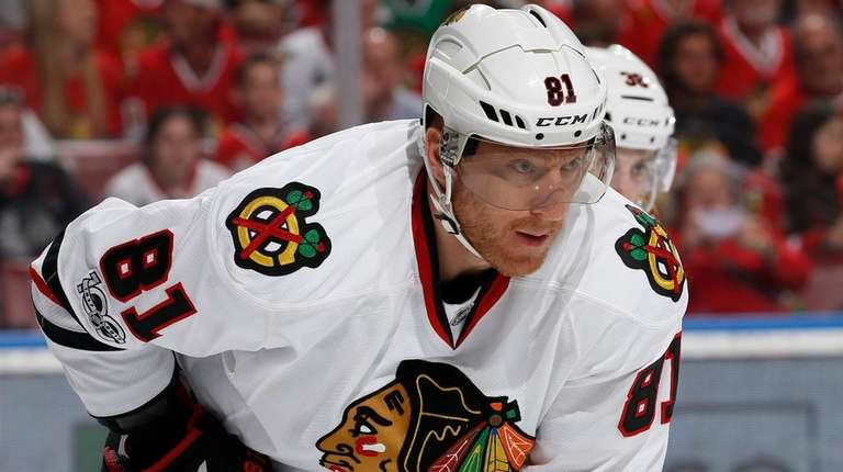Blackhawks right wing Marian Hossa will miss the