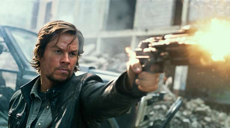 Mark Wahlberg plays Cade Yeager in