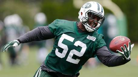 FormerJets linebacker David Harris reportedly agreed to a
