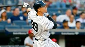 Aaron Judge follows through on three-run homer in