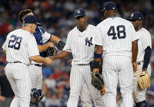 Gregorius, Holliday home run, Yanks thump Angels 8-4 to end skid