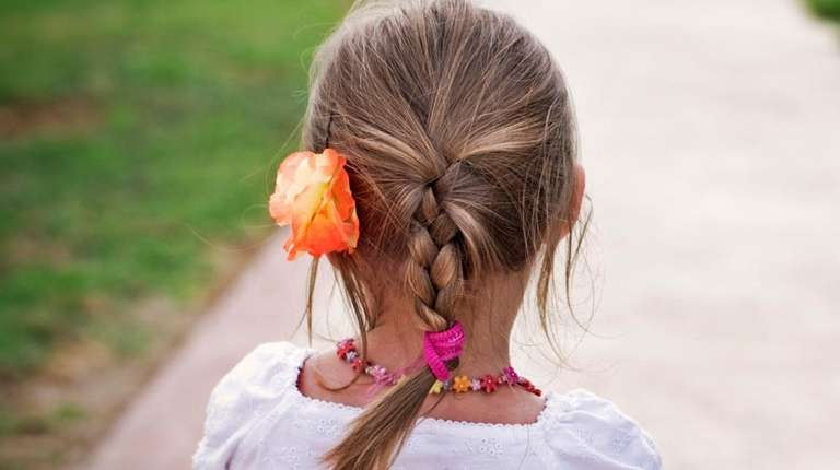 Girls can wear braids to avoid contact with