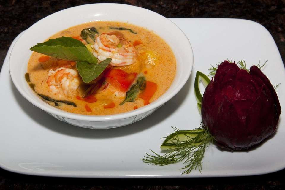 Mango curry with shrimp is served at Frankly