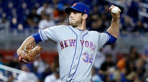 New York Mets' Steven Matz delivers a pitch