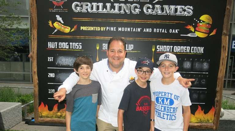 Chef Josh Capon with Kidsday reporters, from left: