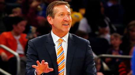 Jeff Hornacek of the Knicks reacts against the Warriors