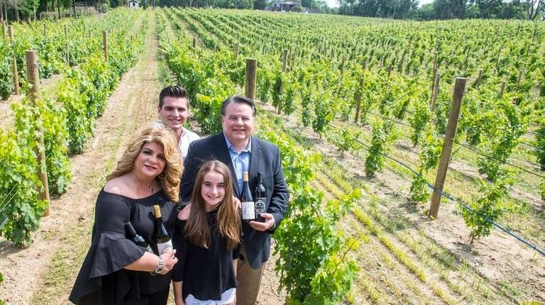 Fred Giachetti, right, owner of Del Vino Vineyard,