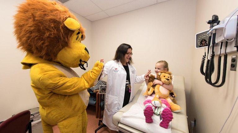 Dr. Jennifer Osipoff and Type 1 diabetes patient
