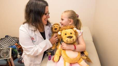 Dr. Jennifer Osipoff meets with her Type 1