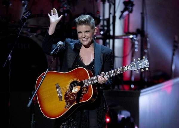 Natalie Maines files for divorce after 17 years