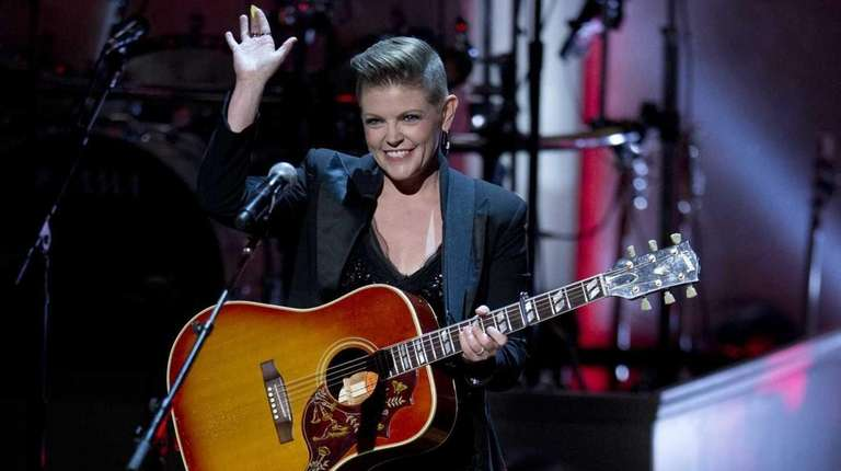 Lead singer Natalie Maines of the Dixie Chicks
