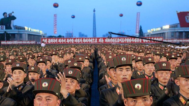 Soldiers gather in Kim Il Sung Square in