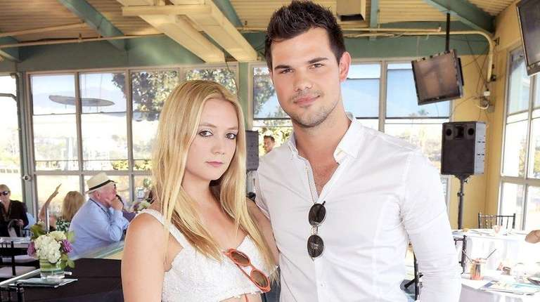 Billie Lourd and Taylor Lautner at the 2016