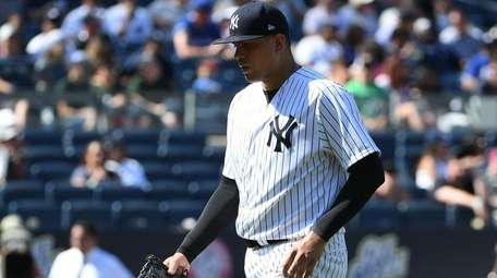 Fans boo New York Yankees relief pitcher Dellin