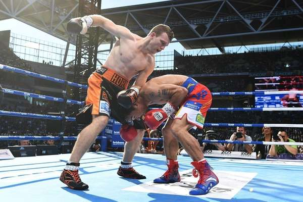 Jeff Horn of Australia and Manny Pacquiao of