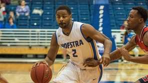 Hofstra Pride guard Ameen Tanksley (2) goes to