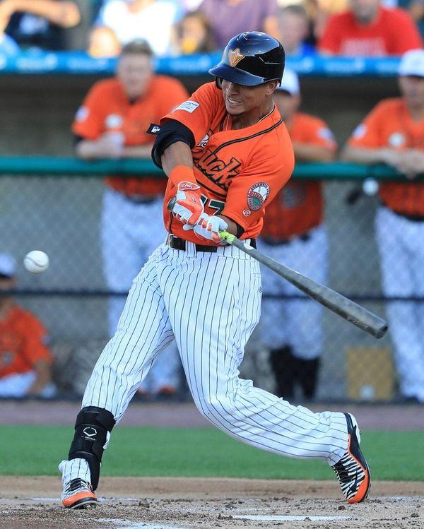 Ducks centerfielder Quintin Berry gets a base hit