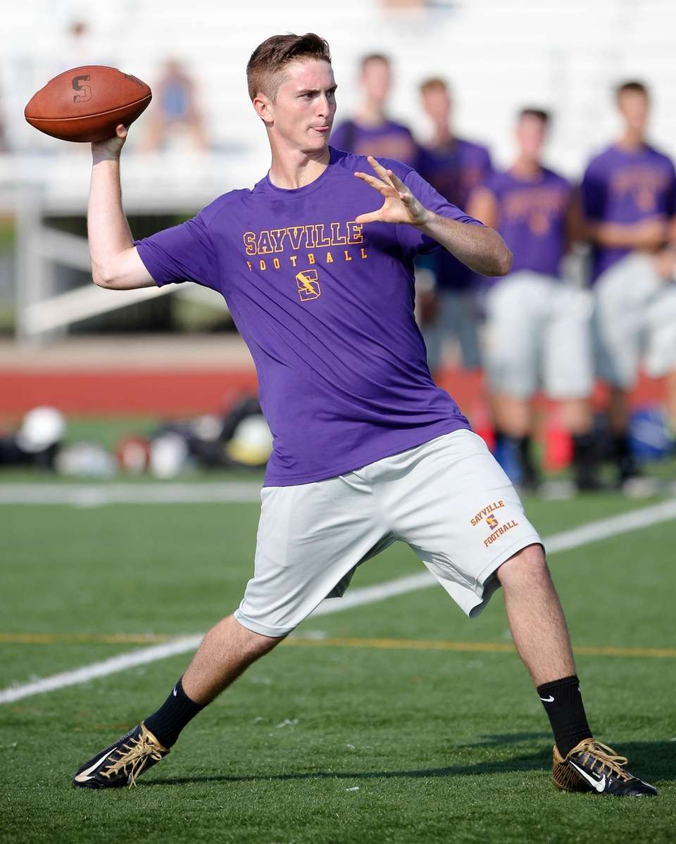 Sayville QB Jacob Cheshire gets ready to throw