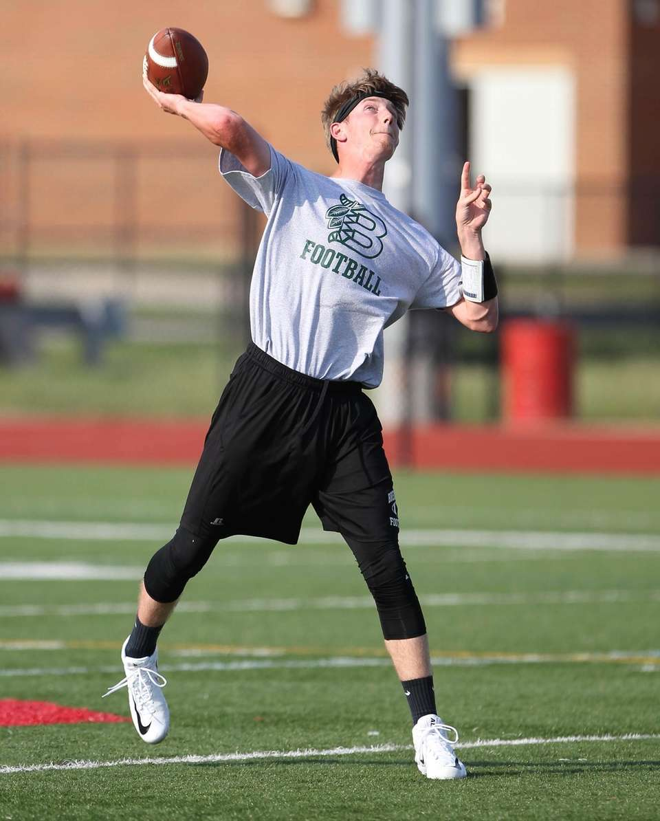 Brentwood QB Colin Jahkhah throws during the 7