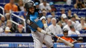 Amed Rosario of the Mets bats during the