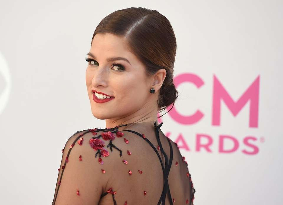Country music queen Cassadee Pope rose in popularity