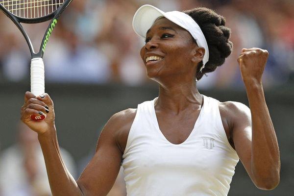 Venus Williams celebrates beatingJohanna Konta intheir women's singles