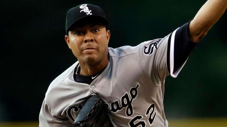 White Sox starting pitcher Jose Quintana delivers against