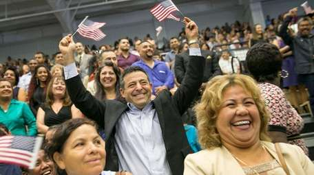 David Kahn, of Mexico, celebrates before taking the