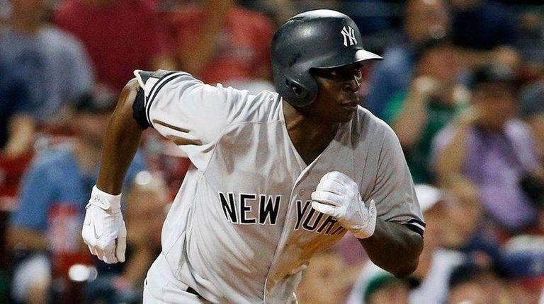 The Yankees' Didi Gregorius runs on his RBI