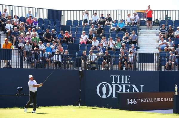 Mark O'Meara tees off during the second practice day at