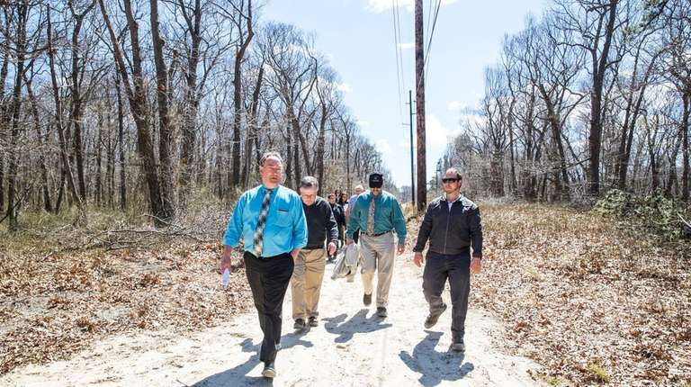 State, county and town leaders tour the Shoreham-Wading