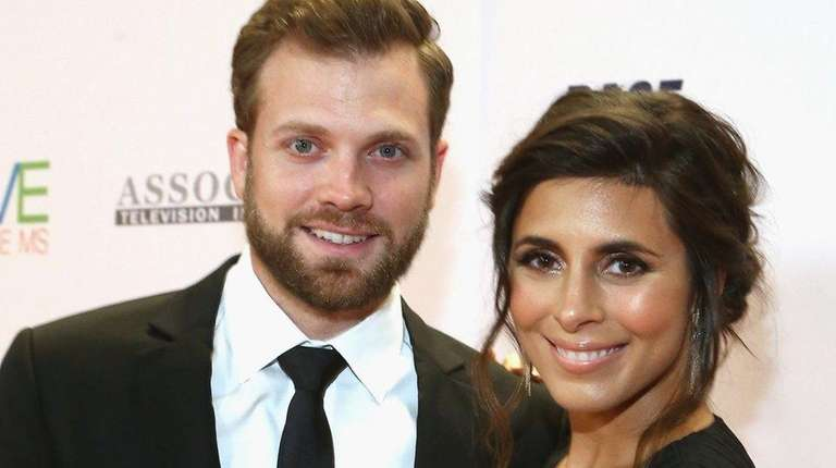 Jamie-Lynn Sigler and her husband, Cutter Dykstra, on