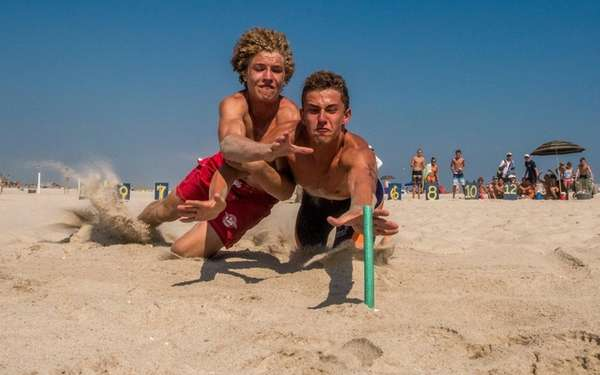 Junior lifeguards Trey Sofield, of Long Beach, left,