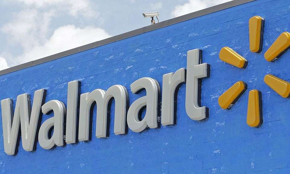 Walmart has 4,692 locations in the United States,