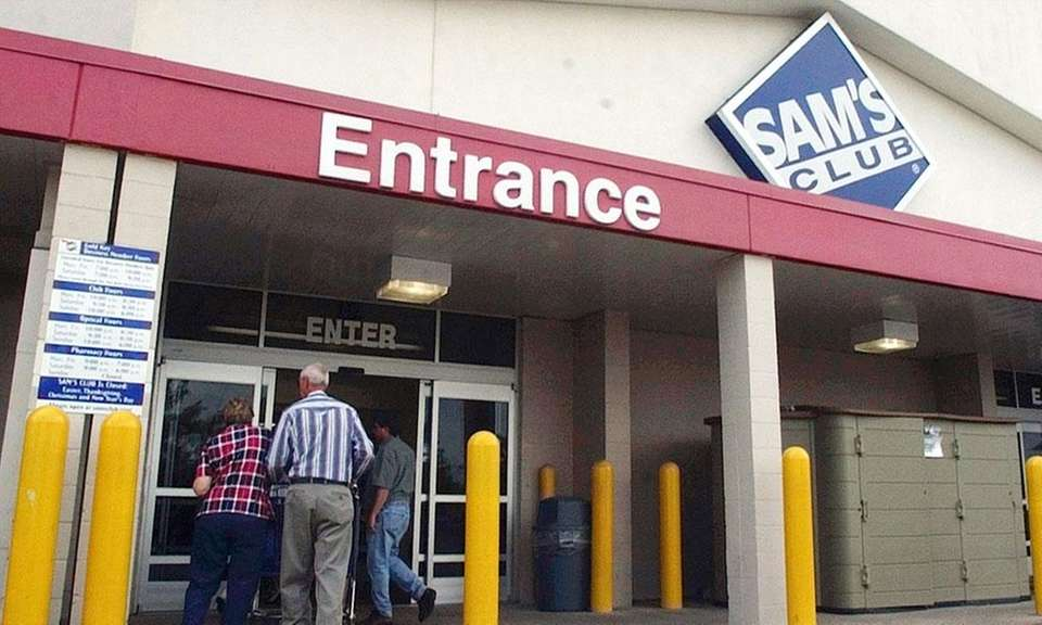 The first Sam's Club location opened in Midwest