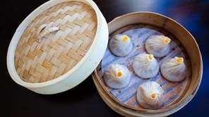 Steamed crabmeat and pork soup buns at Red
