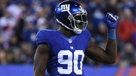 New York Giants defensive end Jason Pierre-Paul reacts