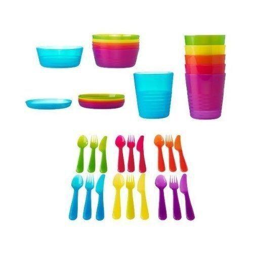 Keep an assortment of dinnerware in your dorm