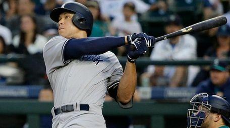 Aaron Judge hits a titanic home run to
