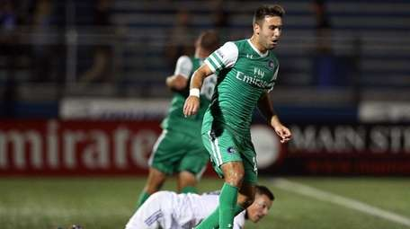 New York Cosmos defender Jimmy Mulligan (28) plays