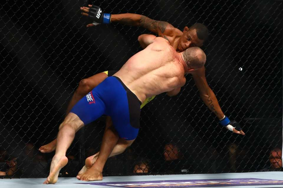 Welterweight Ryan LaFlare takes Alex Oliveira to the