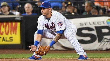 Mets third baseman Asdrubal Cabrera sets against the